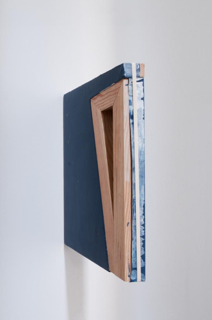 Esmalte sobre tela e elástico 40x30x3,9cm