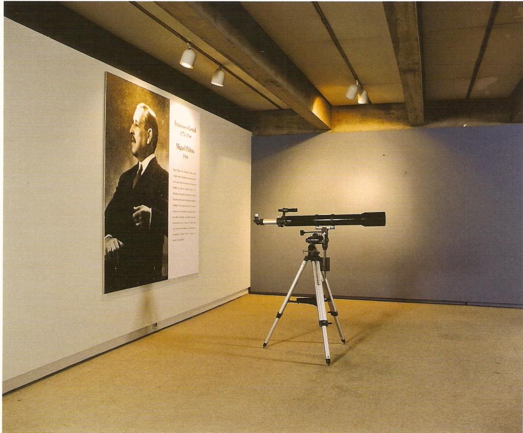Telescópio, tripé e fotografia, dimensões variáveis