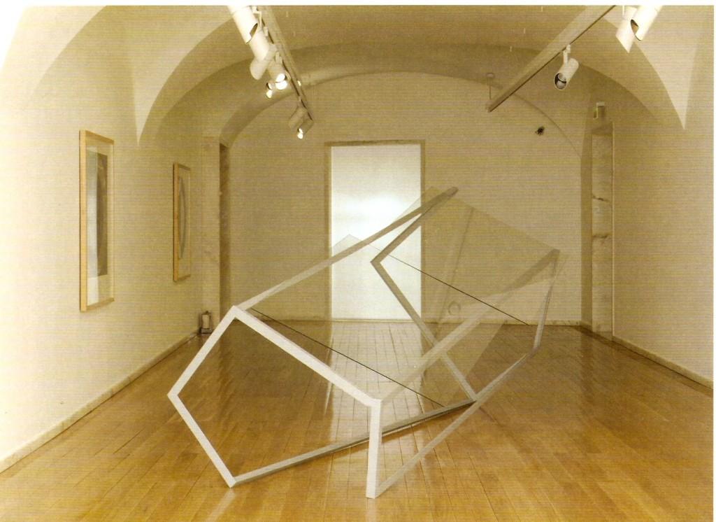 Ferro Pintado e Vidro, 180x415x170 cm