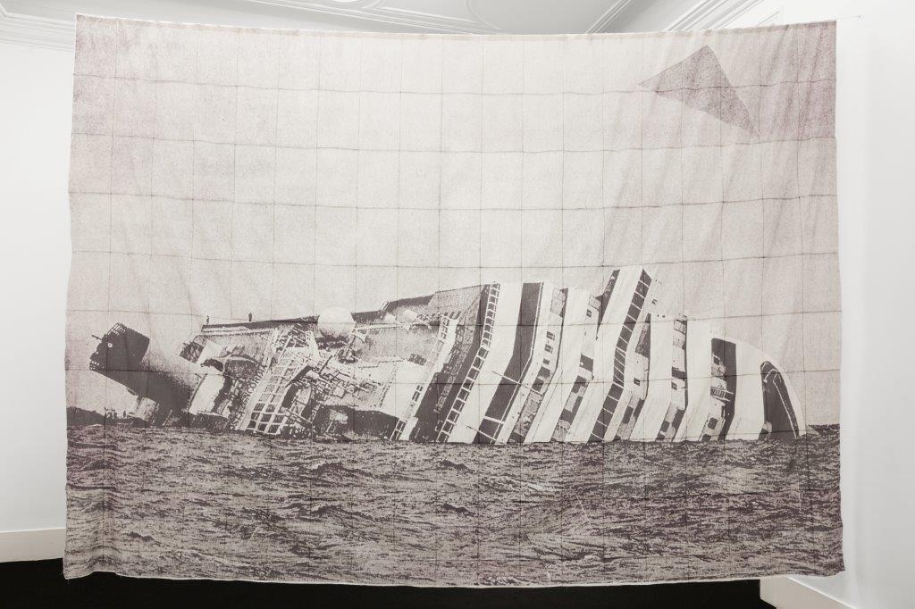 Inkjet print on fabrico 280 × 399 cm